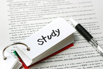 「独学が続かない…」高卒認定に挫折した受験生がヤル気を取り戻して合格⇒大学進学に向けて勉強継続!